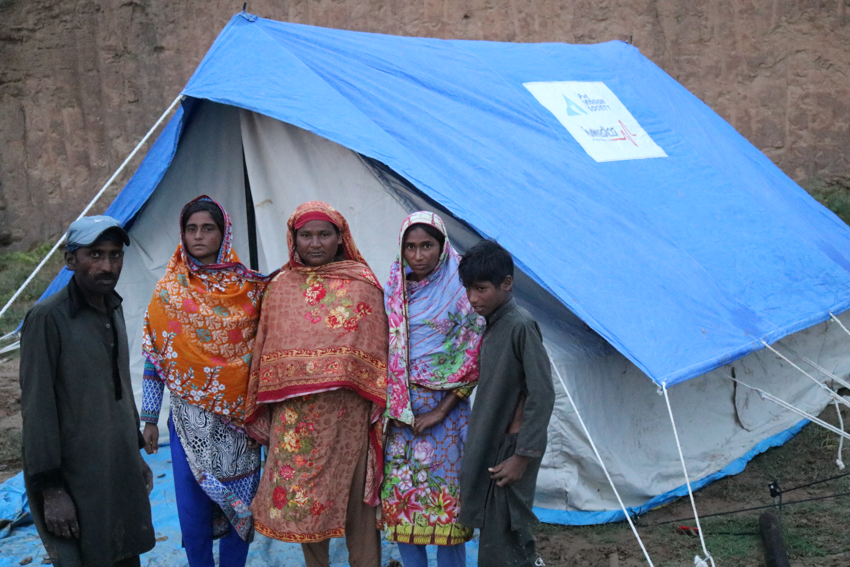 Shazia found her sister alive under debris